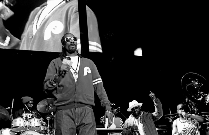 Roots Picnic 2014: Snoop Dogg onstage with The Roots (photographed by Mel D. Cole)