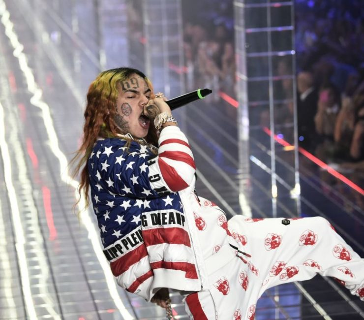 """Tekashi 6ix9ine Asks """"Why Everybody Callin' Me A Snitch?"""" Amid Release From Prison"""