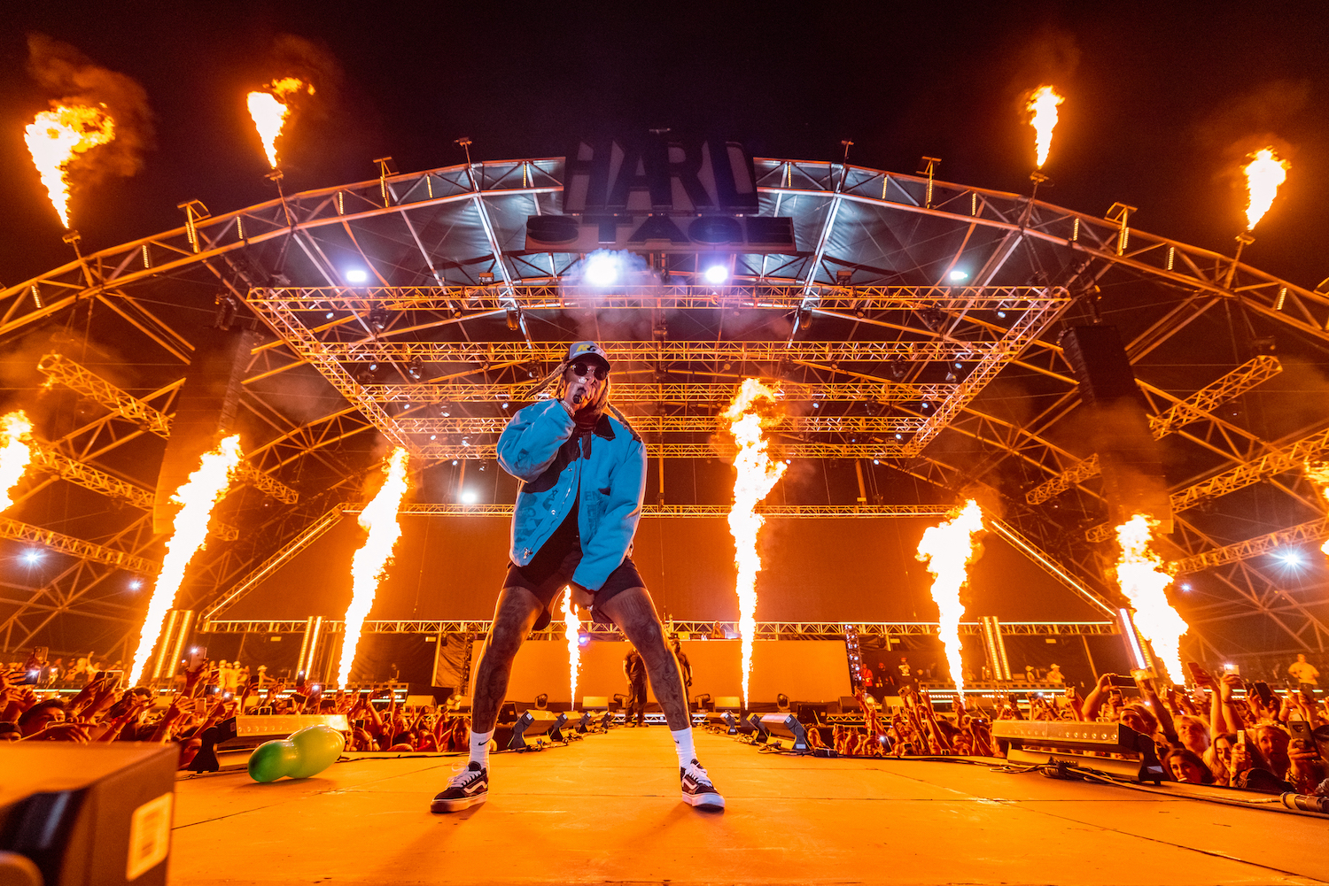 Future fire in the back performance hard summer